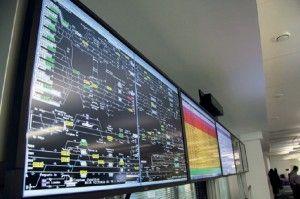 Con múltiples pantallas, la impresionante Planta de Operaciones tiene unos destacados requerimientos de conmutación